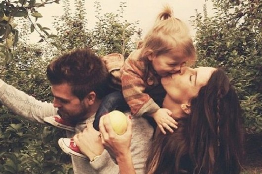 living family kiss love