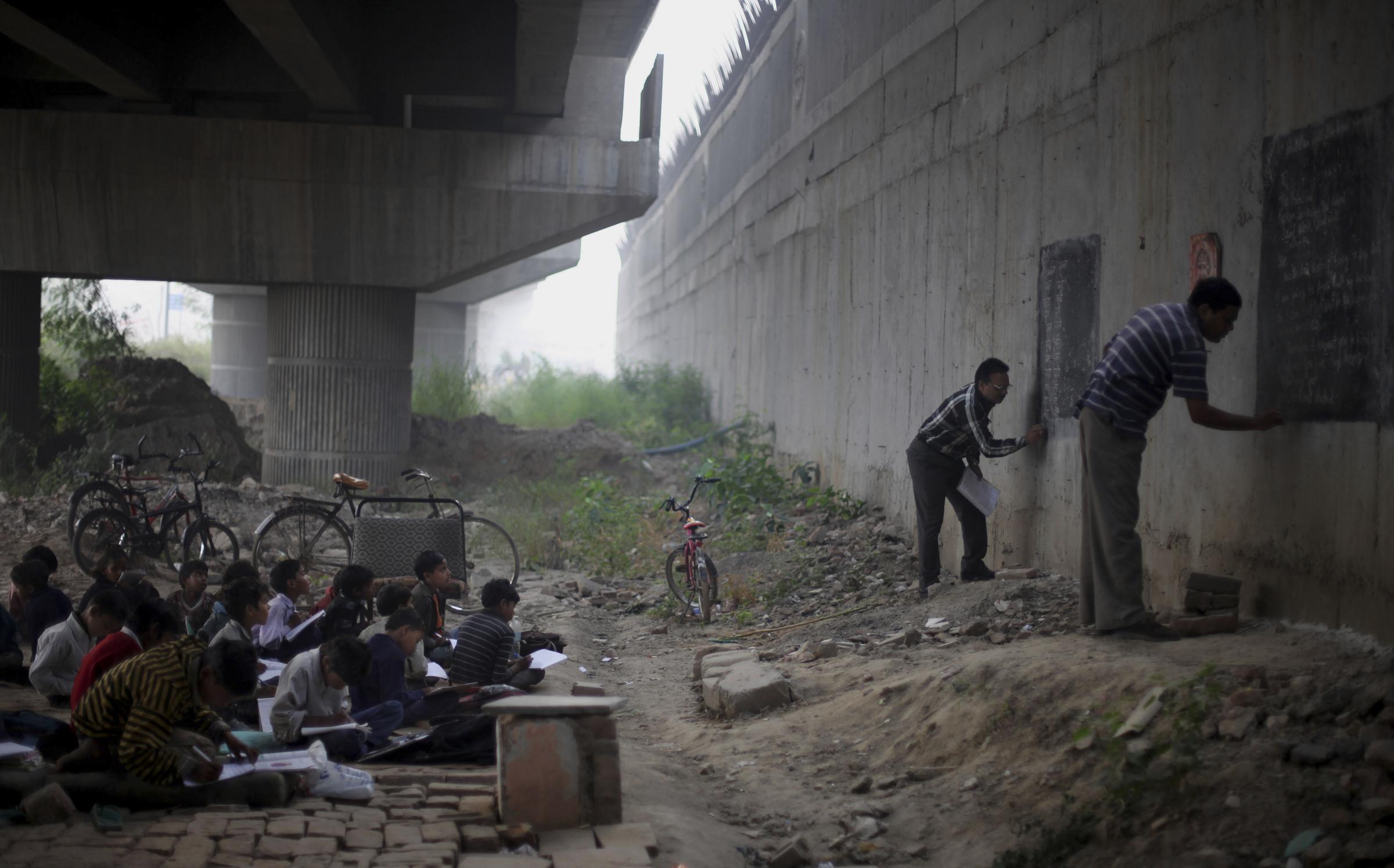 Resultado de imagen para escuela en la calle