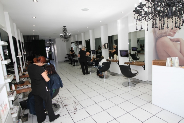 Best hair salon for the most fashionable trendy and fresh for Moss hair salon