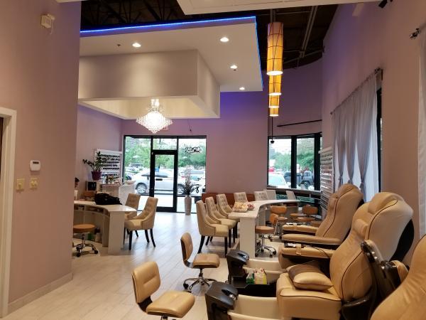 best-luxury-organic-nail-salon-near-river-oaks-upper-kirby