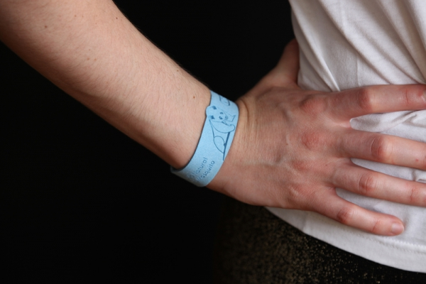 natural anti mosquito bite bracelet available with great discount for 4 hours on