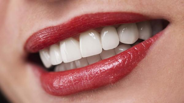 get affordable cosmetic dental treatments in glifada with creemers dental center