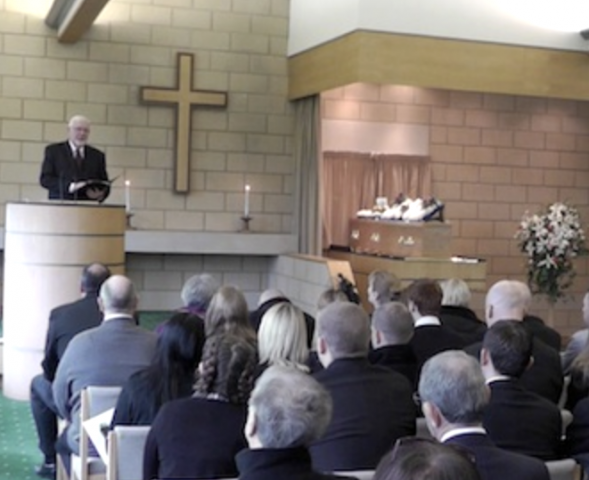 become a certified funeral celebrant with a leading uk training programme